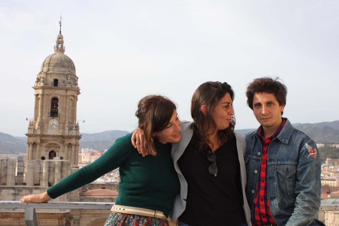 "Marine Discazeaux, Alba González de Molina y Rikar Gil (""Julie"")"
